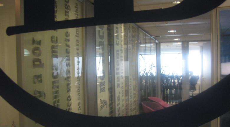 Diseno-grafico-vinilos-oficina-corporativa_03