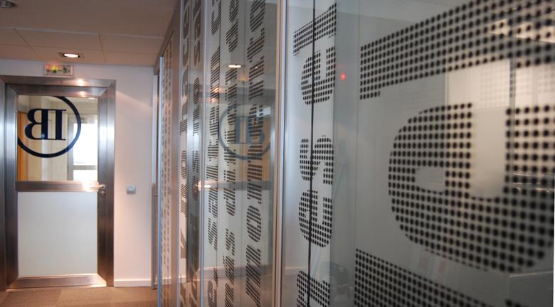Diseno-grafico-vinilos-oficina-corporativa_04